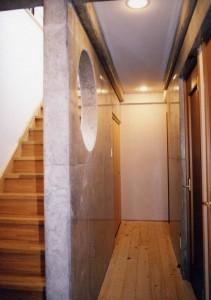田上新町の家廊下階段