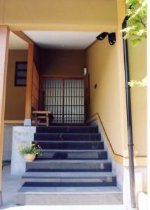 疋田の家玄関