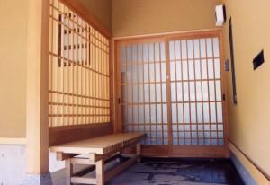 疋田の家玄関2