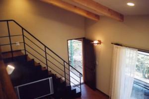 疋田の家階段