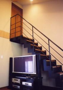 疋田の家階段2