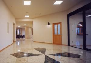 駅南あずさ病院玄関2