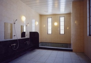 駅南あずさ病院浴室