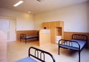 駅南あずさ病院病室1