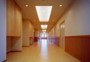 駅南あずさ病院廊下