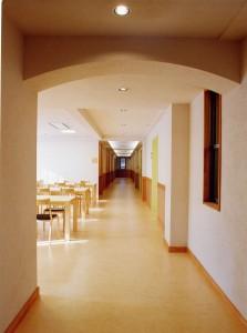 川田病院西病棟 廊下