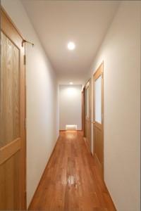高岡の家 廊下
