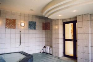 川田病院浴場棟浴室入口
