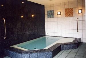 川田病院浴場棟浴槽